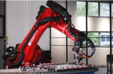万洲焊接发布全新H系搅拌摩擦焊机器人工作站